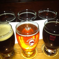 Foto scattata a Deschutes Brewery Bend Public House da Chris J. il 1/3/2013