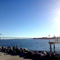 Das Foto wurde bei Embarcadero Marina Park South von Roger M. am 12/31/2012 aufgenommen