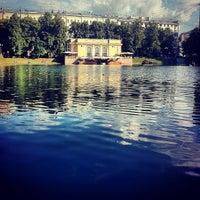 Снимок сделан в Патриаршие пруды пользователем Aleksandr L. 6/23/2013
