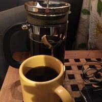 Снимок сделан в Bottom Line Coffee House пользователем Stephen L. 3/17/2016