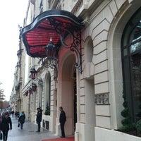 Photo prise au Hôtel Le Royal Monceau Raffles par Alain C. le11/13/2012