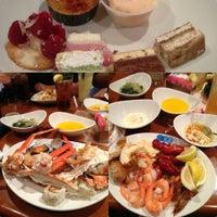 Das Foto wurde bei Village Seafood Buffet von Cynthia N. am 10/20/2012 aufgenommen
