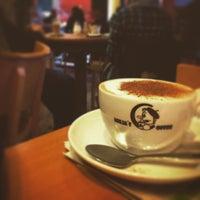 Foto tirada no(a) Milia's Coffee por Thomas L. em 12/22/2015