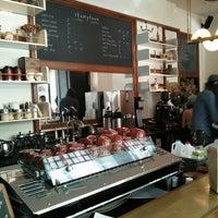 Das Foto wurde bei Stumptown Coffee Roasters von Patrick A. am 6/4/2013 aufgenommen