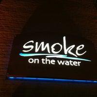 Foto tomada en Smoke on the Water por Indy C. el 1/13/2013