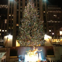 Photo prise au The Rink at Rockefeller Center par Antonio d. le12/23/2012