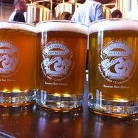9/30/2012 tarihinde Silent Bobziyaretçi tarafından Fremont Brewing Company'de çekilen fotoğraf
