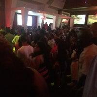 Foto tirada no(a) Velvet Room Nightclub por KC em 4/28/2014