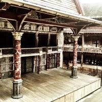 Foto tirada no(a) Shakespeare's Globe Theatre por Rachael M. em 1/12/2013