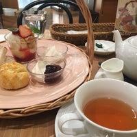 รูปภาพถ่ายที่ Afternoon Tea TEAROOM โดย takemiho เมื่อ 1/4/2017