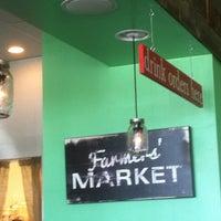 10/31/2013에 Rachel M.님이 Greenhouse Craft Food에서 찍은 사진