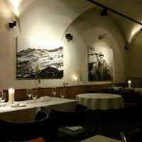 Снимок сделан в Restaurant Le Dome пользователем Alex R. 5/30/2013