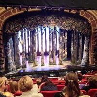 Foto diambil di Broadway Theatre oleh Alisa R. pada 5/19/2013