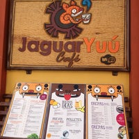 Снимок сделан в Café Jaguar Yuú пользователем román P. 12/22/2012