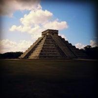 Foto tomada en Zona Arqueológica de Chichén Itzá por Kenneth el 4/30/2013