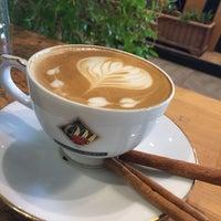 11/16/2019 tarihinde Mustafa G.ziyaretçi tarafından Mahmood Coffee Kitchen & Cake'de çekilen fotoğraf