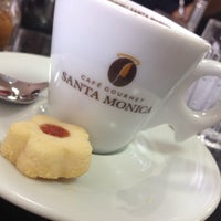 10/10/2013에 Roni S.님이 Caffè Giramondo에서 찍은 사진