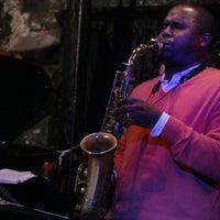 Das Foto wurde bei Smalls Jazz Club von Rafaela P. am 5/18/2013 aufgenommen