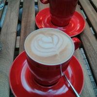 Foto scattata a Coftale Specialty Coffee House da Bogdan D. il 5/10/2014