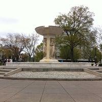 Снимок сделан в Dupont Circle пользователем Dan A. 4/15/2013