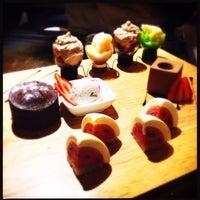 Foto tirada no(a) Keizo Teppan Sushi Bar por Mike A. em 6/8/2015