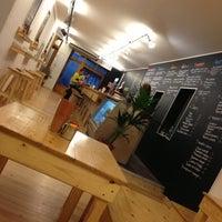 11/29/2012에 Lee S.님이 La Castanya Gourmet Burger에서 찍은 사진