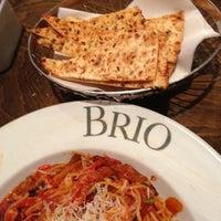 Foto tomada en Brio Tuscan Grille por Miss V. el 11/24/2012