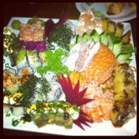 Foto scattata a Hachi Japonese Food da PY il 12/17/2012