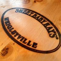 Foto tirada no(a) Sweet Baby Ray's Smokehouse Bourbon & Beer por Scott S. em 5/4/2013