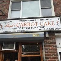 9/13/2015 tarihinde Burt L.ziyaretçi tarafından Lloyd's Carrot Cake'de çekilen fotoğraf