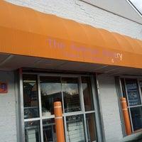 Foto diambil di The Avenue Bakery oleh Michael-Alan G. pada 11/2/2013