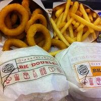 Foto scattata a Burger King da Ayu S. il 1/10/2013