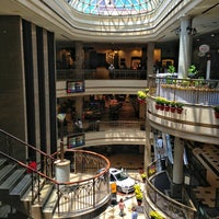 Das Foto wurde bei Shopping Del Paseo von Haroldo F. am 2/20/2013 aufgenommen