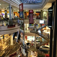 Das Foto wurde bei Shopping Del Paseo von Haroldo F. am 4/18/2013 aufgenommen
