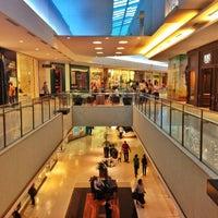 รูปภาพถ่ายที่ Shopping Recife โดย Haroldo F. เมื่อ 10/10/2012