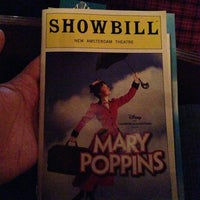Foto tirada no(a) Disney's MARY POPPINS at the New Amsterdam Theatre por Philip Y. em 2/17/2013