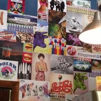 5/4/2013 tarihinde Nirka B.ziyaretçi tarafından Doggi's Arepa Bar'de çekilen fotoğraf