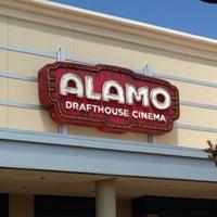 Foto tirada no(a) Alamo Drafthouse One Loudoun por Cristian V. em 6/22/2013