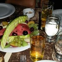 7/26/2015 tarihinde Hüseyin Ç.ziyaretçi tarafından Çakırkeyff Restaurant'de çekilen fotoğraf