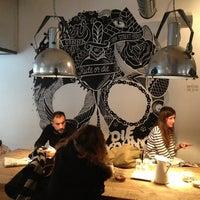 Снимок сделан в La Bicicleta Café пользователем Rodrigo C. 2/9/2013