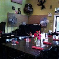 Снимок сделан в Ella's Americana Folk Art Cafe пользователем Carlos C. 11/12/2012
