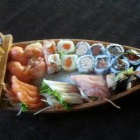 Photo prise au Kodai Sushi par 💖Caroline M. le6/22/2013