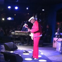 Foto diambil di Buddy Guy's Legends oleh Heather H. pada 1/13/2013