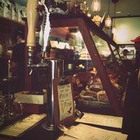 Foto scattata a Irving Farm Coffee Roasters da Helen P. il 5/12/2013