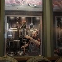 Das Foto wurde bei Cinder Block Brewery von Ted G. am 1/31/2019 aufgenommen