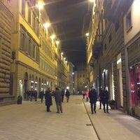 Foto scattata a Via Tornabuoni da Anna G. il 3/23/2013