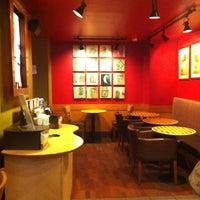 Das Foto wurde bei Starbucks von Pınar G. am 1/17/2013 aufgenommen