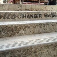 3/19/2013 tarihinde serhan e.ziyaretçi tarafından Otto Cihangir'de çekilen fotoğraf