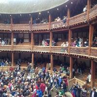 Foto tirada no(a) Shakespeare's Globe Theatre por f3ralbl00m em 6/28/2013