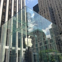 Foto scattata a Apple Fifth Avenue da martina p. il 6/15/2013